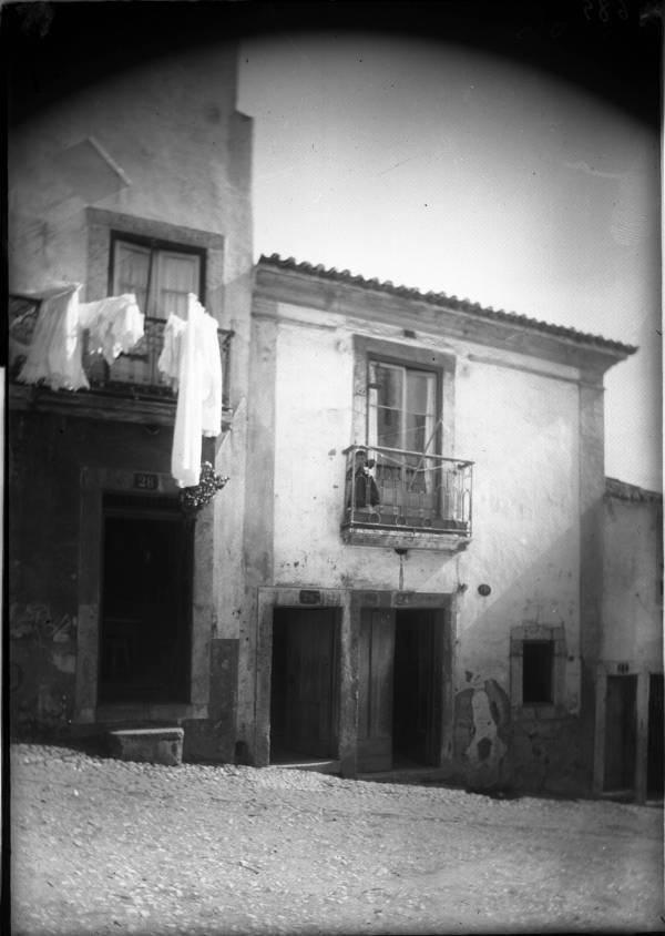Travessa da Cruz do Desterro em 1903 (Foto: Machado & Souza, Arquivo Municipal de Lisboa)