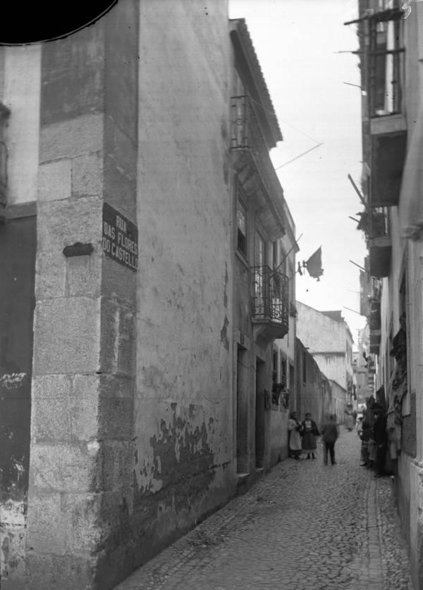Rua das Flores de Santa Cruz em 1907 quando era Rua das Flores do Castelo (Foto: Arquivo Municipal de Lisboa)